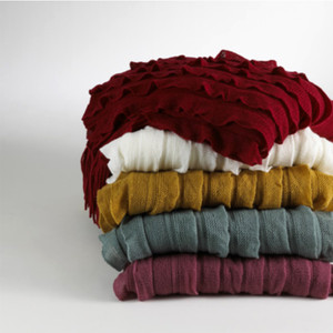 Ruffle Design Throw Blanket