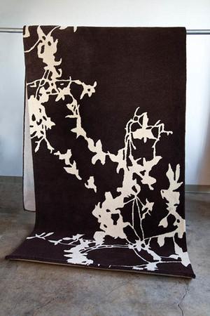 "Fennco Styles Decorative Silhouette Hand Tufted Stunning Wool Rug 144""x48"""