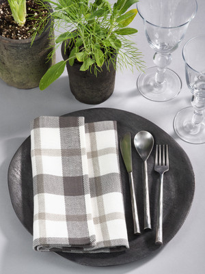 Fennco Styles Glendora Collection Classic Plaid Design Cotton Table Cloth Napkin/ Table Runner