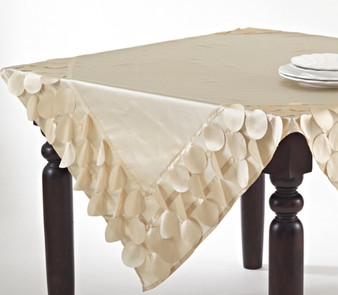 Fennco Styles La Molina Cutwork Circle Tablecloth