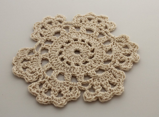 Fennco Styles Handmade Medallion Crochet Lace Round Cotton Placemat Doilies - 4 Pack