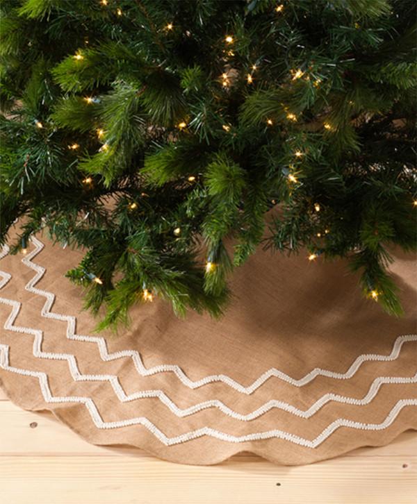 Aspen Beaded Burlap Design Christmas Tree Skirt