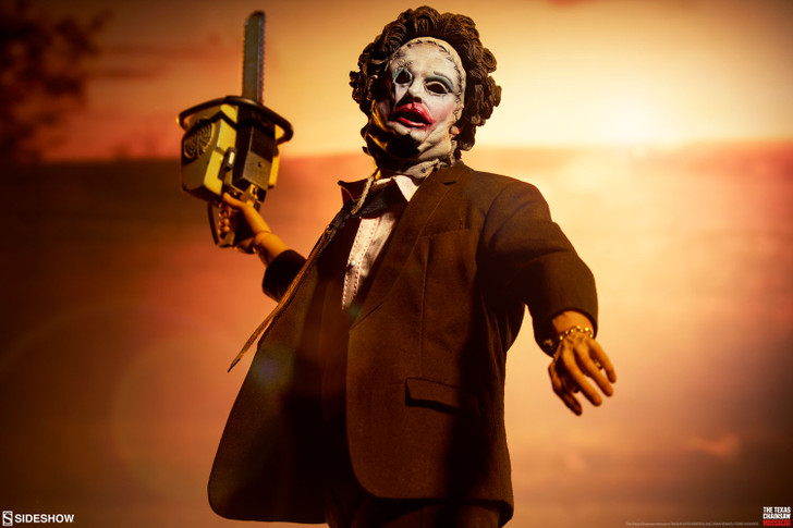 Sideshow Leatherface Deluxe Sixth Scale Figure