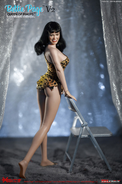 Betty Page Queen of the Pinups 1/6th scale collectors figure