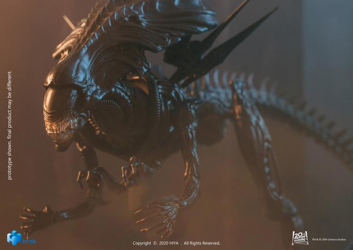 HIYA AVP Alien Queen 1/18 scale action figure