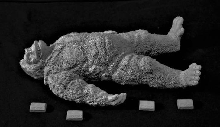 "MURAKAMI (DAIMOS)  Kong ""Sleeping"" Resin Model Kit"