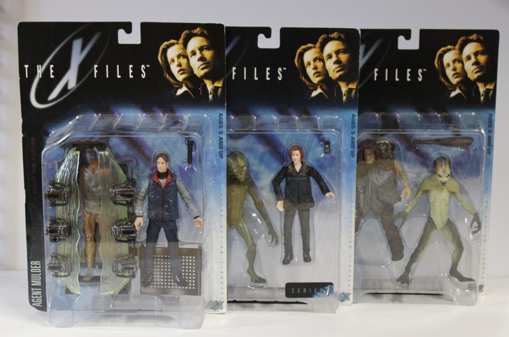 McFarlane X-Files Scully Mulder and Alien set of 3