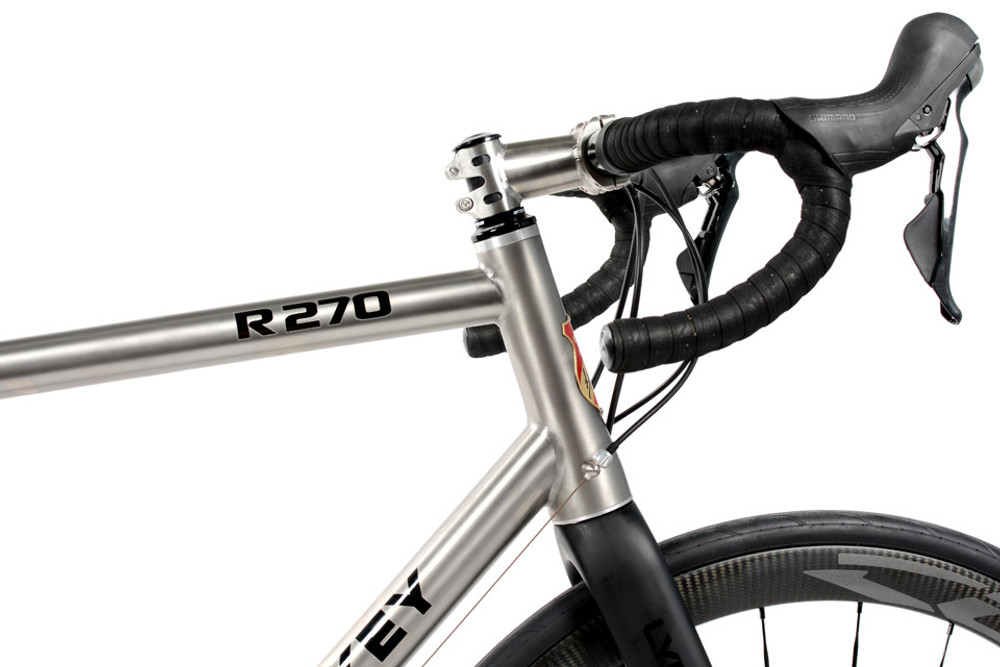 R270 Disc Road Bike