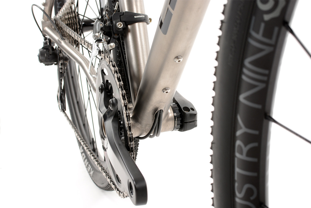 GR300 Gravel Bike | Internal Cable Routing