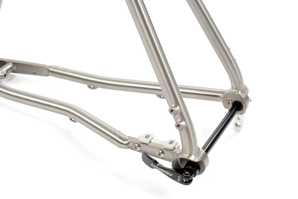 GR300 Gravel Bike Frameset | External Cable Routing