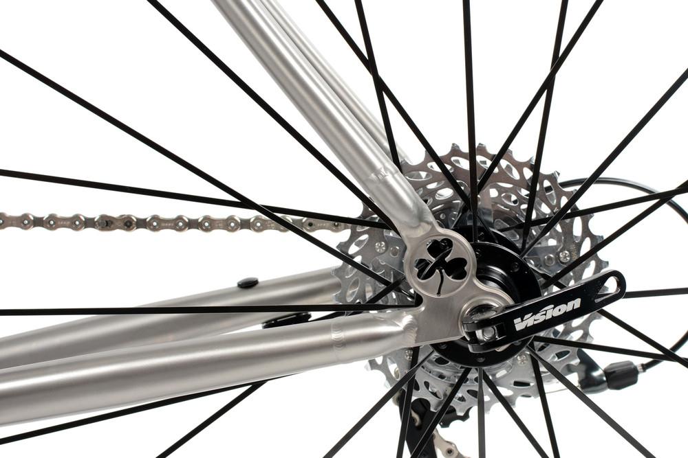 R300 Road Bike
