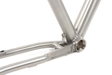 GR300 Gravel Bike Frameset | Internal Cable Routing