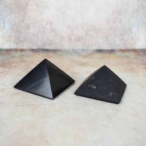Shungite Pyramid (4cm)
