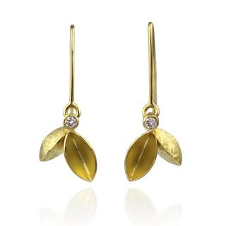 Dangle Tangle Leaves Earrings by Liaung-Chung Yen | 18 Karat yellow gold | Handmade contemporary jewelry