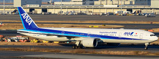 JC Wings ANA All Nippon Airways Boeing 777-300ER JA795A with stand Scale 1/200 JCEW277W004