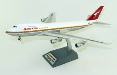 Inflight 200 Qantas First Flight Boeing 747-238B VH-EBA with stand and coin Scale 1/200 IF742QFA1ST747P