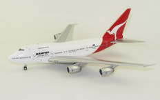 Inflight 200 Qantas Boeing 747SP VH-EAB with stand Scale 1/200 IF747SPQFA0820