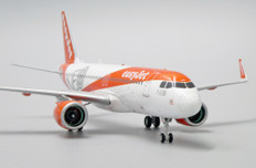 JC Wings Easyjet  Airbus A320neo G-UZHA with stand Scale 1/200 JCEW232N001