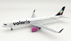 Inflight 200 Volaris Airbus A321-271N N542VL with stand Scale 1/200 IF321VN41020