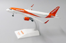JC Wings Easyjet  Airbus A320 G-EZOM  with stand Scale 1/200 EW2320001