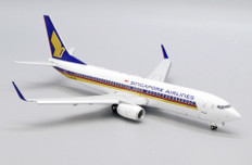 JC Wings Singapore Airlines Boeing 737-8009V-MGA Flaps down With Stand Scale 1/200 EW2738015A