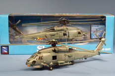 New Ray Sikorsky SH-60 Sea Hawk Scale 1/60 NR25583