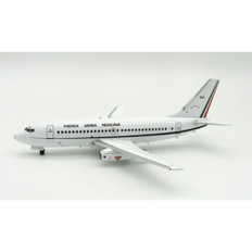 Inflight200 Mexico Air Force Boeing 737-200 3520 with stand Scale 1/200 IF732MAF001