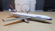 Dragon Wings Delta Air Lines MD-11 N866DA Scale 1/400 55237-03