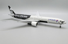 JC Wings LATAM Galaxy's Edge Boeing 777-300ER PT-MUA With Stand Scale 1/200 JCEW277W003
