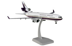 Hogan Wings McDonnell Douglas MD11F House Colors N211MD with stand and gear Scale 1/200 HG11632