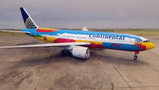 Gemini Jets Peter Max 2000 Continental Boeing 777-200 Scale 1/400 GJCONMAX