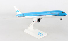Skymarks KLM Boeing 787-9 with Gear Scale 1/200 SKR945
