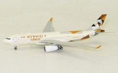 JC WIngs Etihad Cargo Airbus A330 A6-DCE With Antenna Scale 1/400 JCLH4103