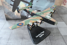 Atlas Handley Page Halifax  Boxed and with gear Scale 1/144 Approx 006A