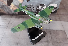 Atlas Heinkel HE 111 Boxed and with gear Scale 1/144 approx 013A