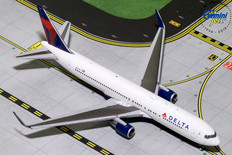 Gemini Jets Delta Boeing 767-300ER N173DZ Scale 1/400 GJDAL1732