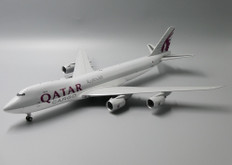 JC WIngs Qatar Cargo Boeing 747-8F A7-BGB With Stand Scale 1/200 JCLH2168