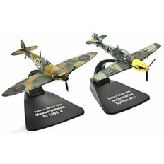 Dueling Fighters Battle of Britain Spitfire and BF109E-4 Scale 1/72