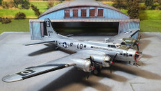 Air Force One B17 Flying Fortress USAAF ,The Bloody, 100th BG 418TH BS 43-38525 Miss Conduct RAF Thorpe Abbots England 1944 Scale 1/72 AF1-0110C