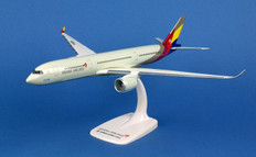 Herpa Snapfit  Asiana Airbus A350-900 XWB HL8078 Scale 1/200 611404