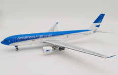 Inflight 200 Aerolineas Argentina Airbus A330-223 LV-FNJ with stand Scale 1/200 IF332LV0720