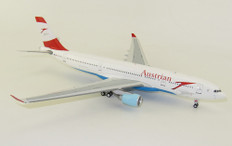 Inflight 200 Austrian Airlines Airbus A330-223 OE-LAN with stand Scale 1/200 IF332OE0720