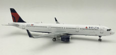J Fox Models Delta Air Lines Airbus A321-211 N359DN with Stand Scale 1/200 JFA321007