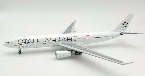WB Models Singapore Star Alliance Airbus A330-343 9V-STU with Stand Scale 1/200 WBA330012