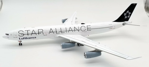 WB Models Lufthansa Star Alliance Airbus A340-313 D-AIGP with Stand Scale 1/200 WBA340006