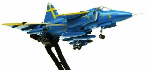 Aviation 72 SAAB Viggen F16-32 JA37D Blue Peter Uppsala 2001 Scale 1/72 AV7242003