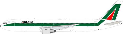 Inflight 200 Alitalia Boeing 767-33A/ER I-DEIG with stand Scale 1/200 IF763AZ0531