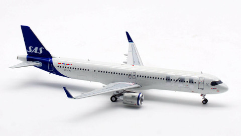 Inflight 200 Scandinavian Airline Jarl Viking Airbus A321-253NX SE-DMO with stand Scale 1/200 IF321SK0221