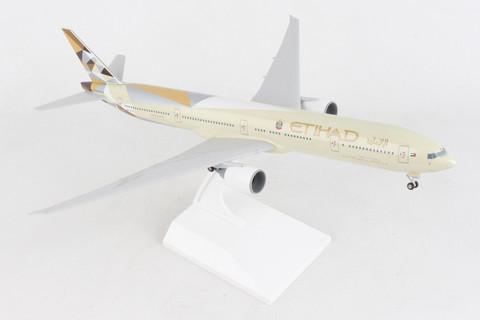 Skymarks Etihad Boeing 777-300ER with gear Scale 1/200 SKR1067