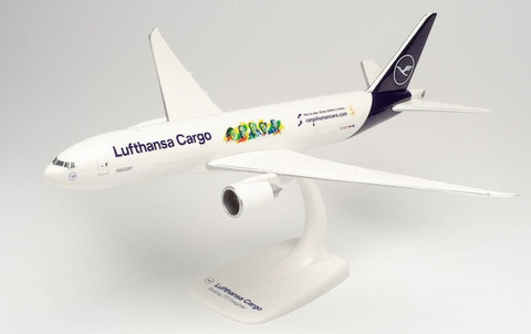 """Herpa Snap-fit Lufthansa Cargo """"Human Care Buenos Dias Mexico"""" Boeing 777F D-ALF Scale 1/200 613354"""